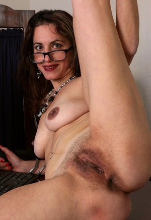 Hairy Pussy Nurse Porn