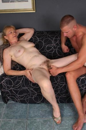 Young dick fucking hairy old pussy pic
