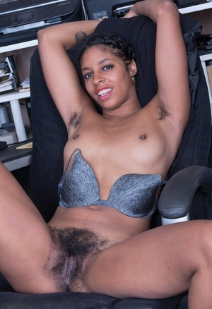 Download photo of hairy pussy of a black woman