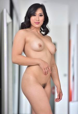 Mia Li Porn