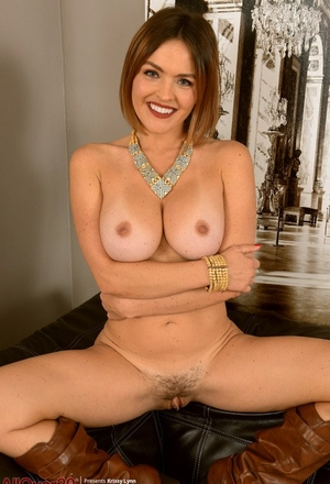 Over 30 dame Krissy Lynn uncovers her enormous boobies before displaying her pussy