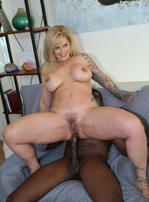 Tattooed blonde wifey Ryan Conner fucks 2 ebony man instead of her cuckold