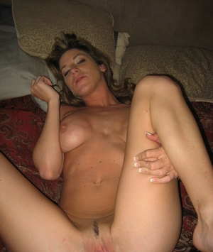 Nude ex-gf Kayla Paige gives her stud a chipmunking Oral pleasure during sexual activities
