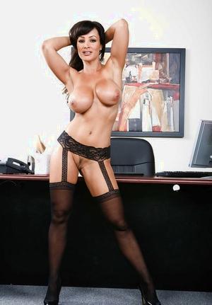 MILF boss lady Lisa Ann seducing Sativa Rose for lesbian sex in office