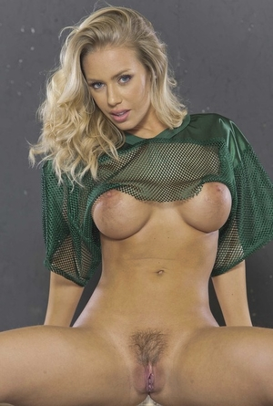 Nicole Aniston Porn