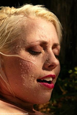 Nasty blonde Lorelei Lee gets her twat stuffed by a dildo machine poolside 41354591