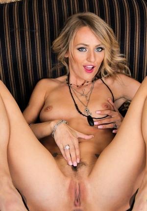 Tattooed blonde mom Natasha Starr unwraps off skirt and pretties to pet her twat