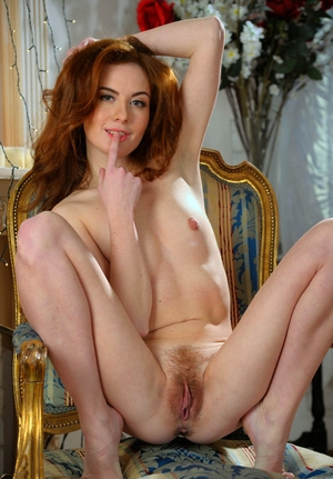 USA very beautiful and virgin pussy pic
