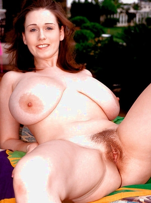 Amateur solo girl Nicole Peters vaunting knockers on lounge chair in garden