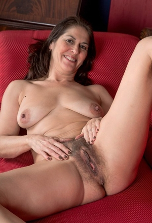 Hairy Pussy Spread Porn