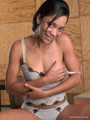 Images of black hairy masturbating pussy - 1