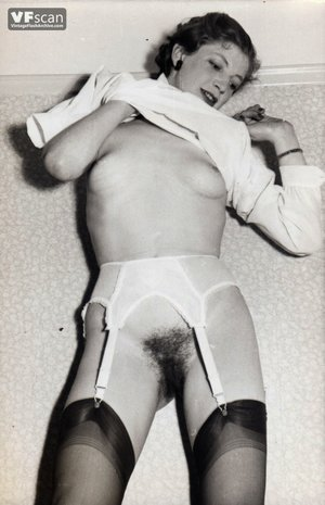 Vintage hairy pussy mom photo - 12