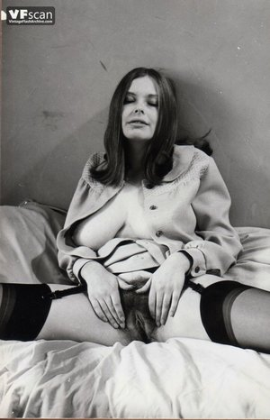 Vintage hairy pussy mom photo - 3