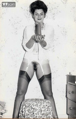 Vintage hairy pussy mom photo - 4