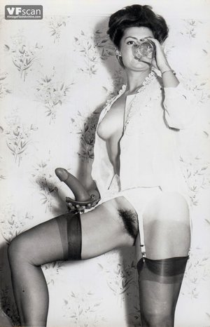 Vintage hairy pussy mom photo - 5