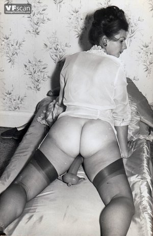 Vintage hairy pussy mom photo - 10