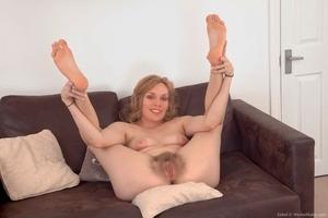 XXX pussy hairy pics - 12