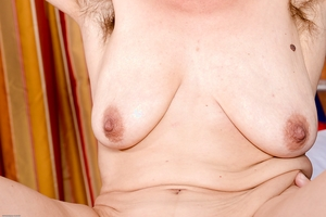 Hairy old pussy photos - 13