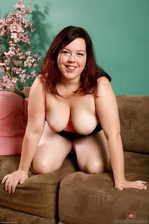 XXX lady big ass photo - 6
