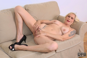 Naked hairy ladies porn pictures - 4