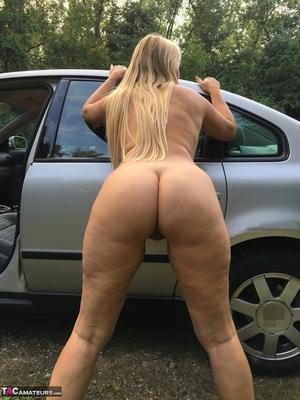 Older pussy pics - 11