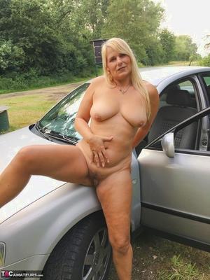 Older pussy pics - 18