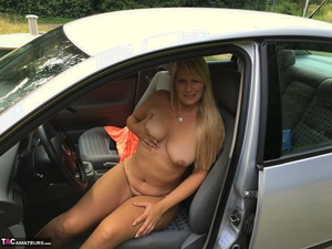 Older pussy pics - 3