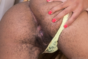 Black mature mommy hairy pussy picture - 5