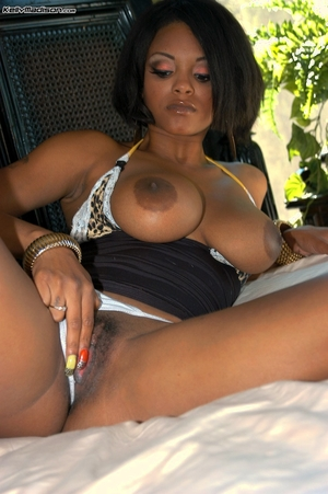 African hairy pussy photos - 7