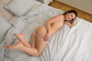 Natural Hairy Pussy Pic - 4