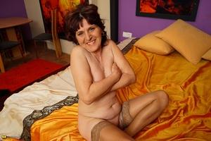Mom large camel toe pussy pic - 16