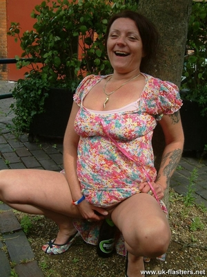 Hairy woman pussy gallery - 10