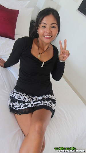 Thai old hairy pussy gallery - 3