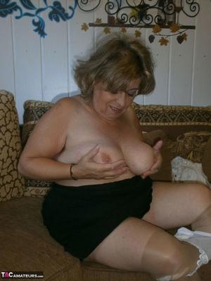 Very hairy BBW pussy pics - 14