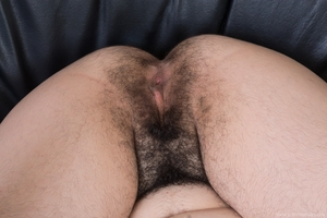Extreme hairy girls with big calves hot pics - 14
