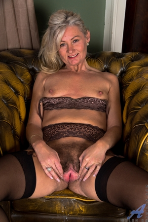 Hairy mature pussy pictures - 11