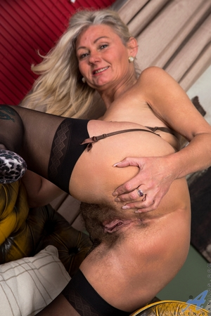 Hairy mature pussy pictures - 13