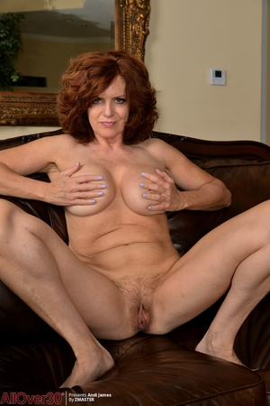 Wife hairy pussy photo - 11