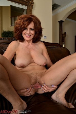 Wife hairy pussy photo - 12