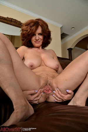 Wife hairy pussy photo - 13