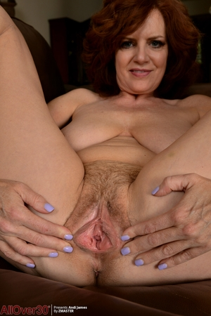 Wife hairy pussy photo - 10