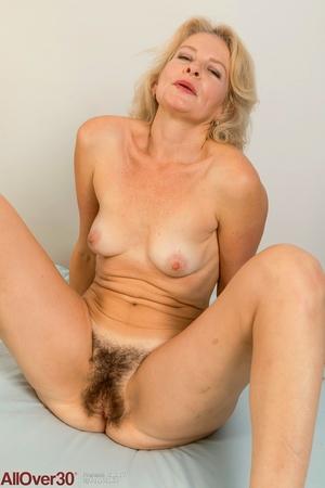 Mature big hairy pussy photo - 12