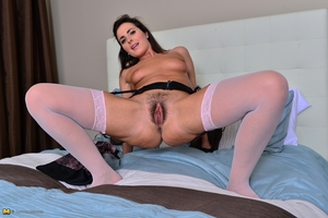 XXX pussy moms hairy pussy pic HD - 15