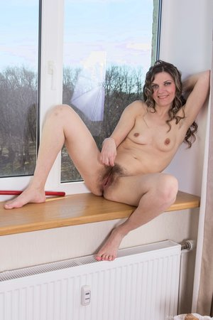 Hairy and ugly pussy closeup porn pics - 12