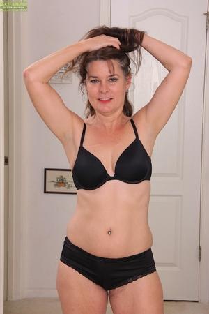 Porn women pics - 5