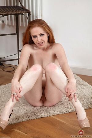 Mature hairy pussy pics Tia Jones - 11
