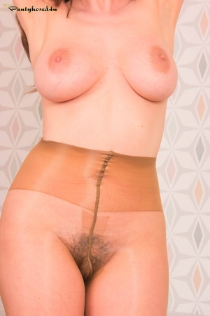 MILF hairy porn pics - 9