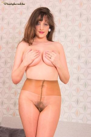 MILF hairy porn pics - 10