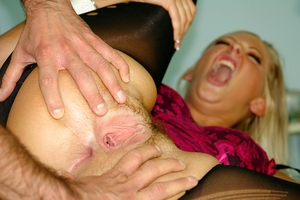 Moms mature hairy pussy pics - 12