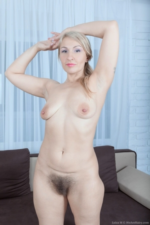 Mature pussy pictures - 14